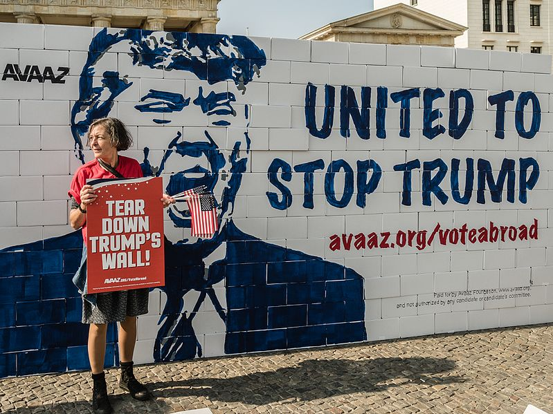 File:Berlin United against Trump (29692223130).jpg