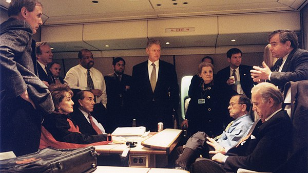 Lieberman (second from the left) and Senate colleagues with President Bill Clinton and his national security team on Air Force One to Bosnia in 1997 Bill Clinton and officials on Air Force One.jpg