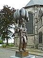 Binche statue du gilles (bronze) 2014.jpg