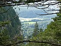 Blick vom Kunkelspass (1357 m) in das Rheintal bei Tamins - panoramio.jpg