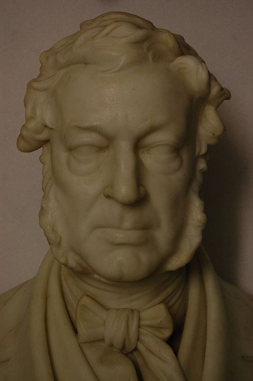 Blythe house, science museum 18   bust of a siebe