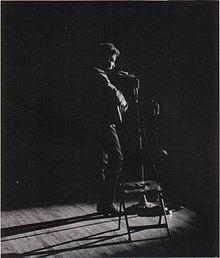 Bob Dylan en un concierto en la universidad de St. Lawrence, Nueva York (1963)