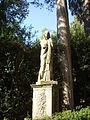 Boboli, statua sul secondo tratto del viottolone 2.JPG