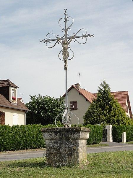 Boncourt (Aisne) croix de chemin
