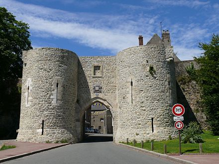 A gate in the medieval town walls, defended by parties of the 21st Infantry Division Boulogne-sur-Mer - Porte Gayolle.jpg