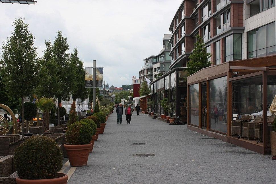Bratislava, Eurovea, Danube promenade