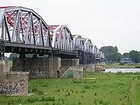 Bridge grave2.jpg