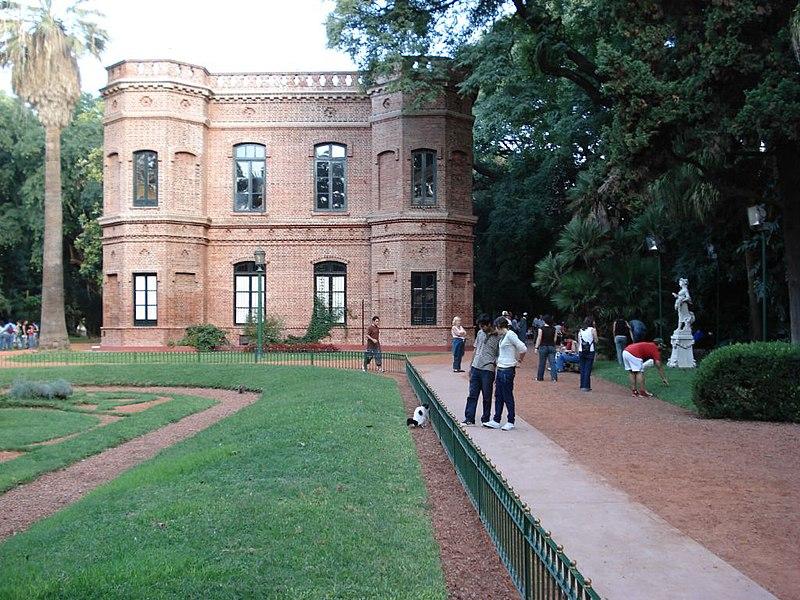 Que hago hoy en el jard n benito javier carrasco for Casa jardin hostel buenos aires