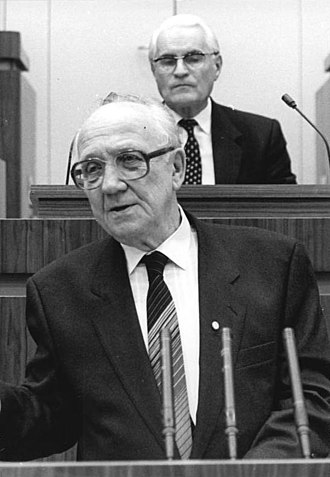 Council of Ministers of East Germany - Image: Bundesarchiv Bild 183 1988 1108 035, Horst Sindermann