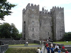 Bunratty Lower - Image: Bunratty Castle geograph.org.uk 223349