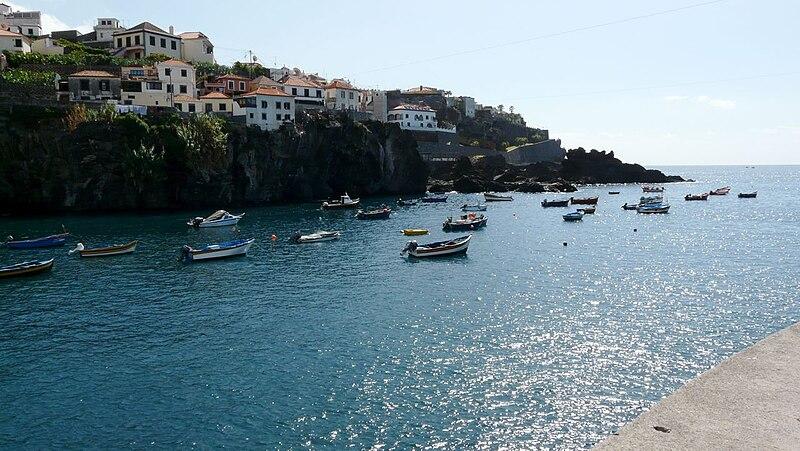 File:Câmara de Lobos, Madeira.jpg