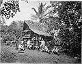 COLLECTIE TROPENMUSEUM Batakhuis op tabaksonderneming Boeloe Tjina van de Deli Maatschappij. TMnr 60001809.jpg