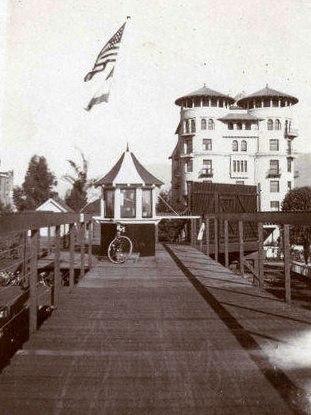 California Cycleway looking toward Hotel Green 1904 or 1905
