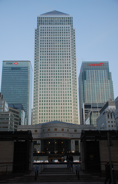 384px-Canary_Wharf_1_Canada_Square.png