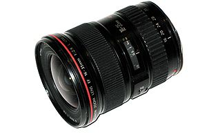 Canon EF 16–35mm lens - Image: Canon 16 35 L IMG 0157