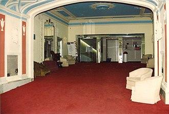 Capitol Theatre (Windsor, Ontario) - Image: Capitol Theatre Lobby ca 1989 01
