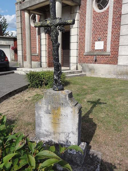 Castres (Aisne) croix tombes françaises collectives guerre 1871