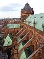Cathédrale de Strasbourg - contreforts de la nef, côté nord - 20160606 194600.jpg