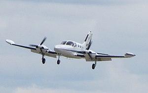 Cessna 421 - Cessna 421B landing