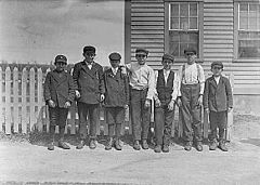 Child workers in River Point, RI.jpg