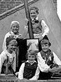 Children-in-folk-costumes-during-the-openin-the-jubilee-exhibition-in-Trosa-352114299124.jpg