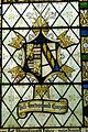 Chirk St.Mary - Tugendfenster 2 Wappen Trevor.jpg