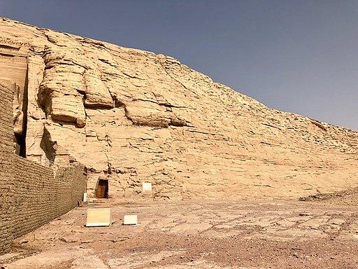 Cliffs, The Great Temple of Ramses II, Abu Simbel, AG, EGY (48017055797)
