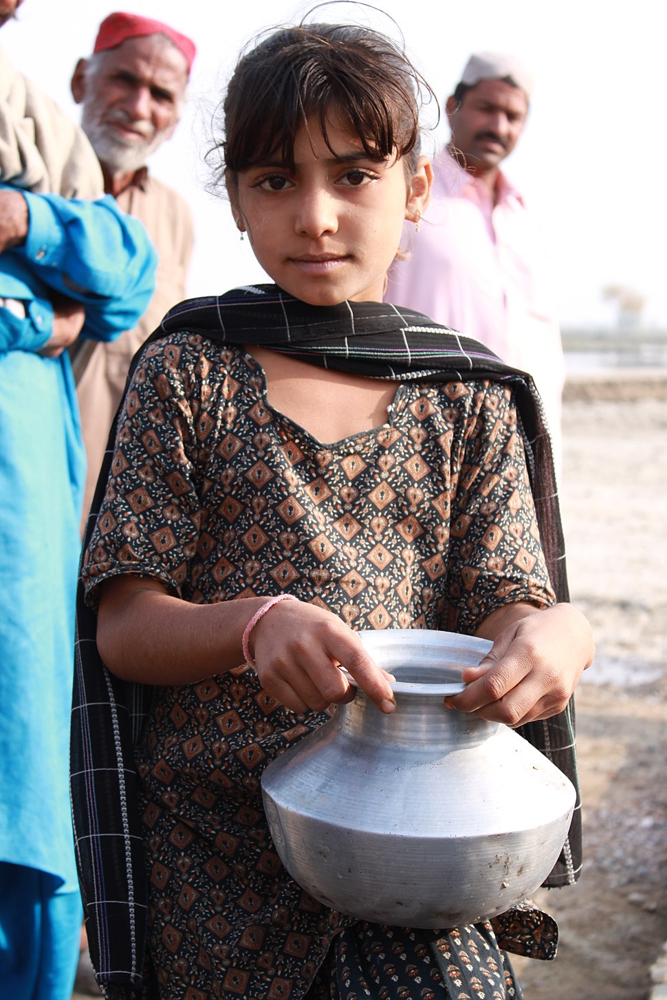 Collecting clean water in rural Sindh (5367575654)