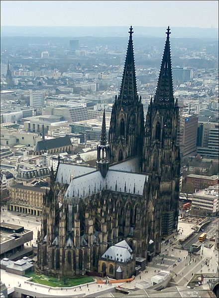 Fichier:Cologne cathedral aerial (25326253726).jpg