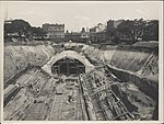 Construction of train tunnel Hyde Park, 1923 (8282690653).jpg