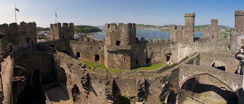 File:Conwy Castle 9.jpg