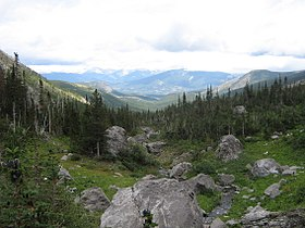 Crowsnest Pass (2820295504).jpg