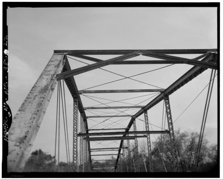 File:DETAIL VIEW OF TRUSS - Berry Hill Bridge, Spanning Dan River at State Route 1761 (VA State Route 880), Eden, Rockingham County, NC HAER NC,79-EDEN.V,1-22.tif