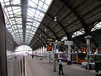 Darlington railway station - Platforms 1 and 2