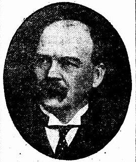 Australian schoolteacher, businessman, accountant and local government politician