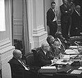 De regeringstafel met als tweede van links minister Samkalden van Justitie en re, Bestanddeelnr 918-4317.jpg
