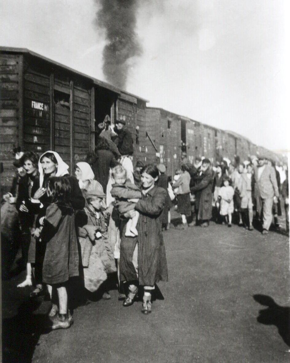Deportation to Treblinka from ghetto in Siedlce 1942