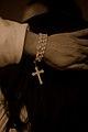 Dettaglio di fede sfocata e confusa (3138817829).jpg