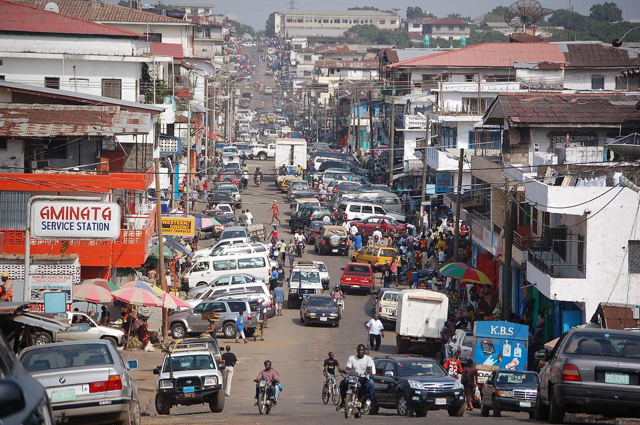 Jalan-jalan di pusat kota Monrovia, Maret 2009
