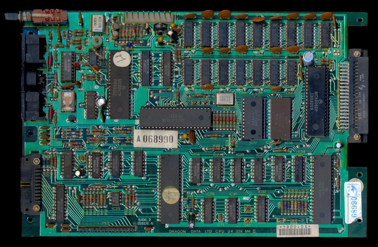 File:Dragon32 PCB Top (PC10087 Issue5)-xavax.png ...