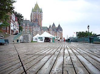 Plank (wood) - Image: Dufferin Terrace boardwalk with booksellers tents and Chateau Frontenac behind 2005
