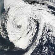 O ex-furacão Florence no Atlântico norte depois de completar sua transição para um ciclone extratropical depois de ter sido um furacão