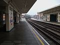 East Finchley stn centre platforms look north3.JPG