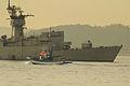 El barco pesquero vigués Curuto Dos pasando junto a la fragata (15424292978).jpg