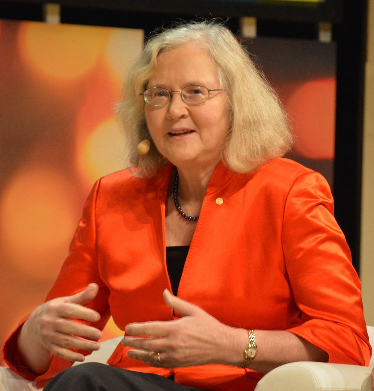elizabeth blackburn The german-born biochemist received the nobel prize in physiology or medicine  1999 for his discovery that proteins have intrinsic signals that regulate their.