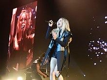Nike | Ellie Goulding Wiki | FANDOM powered by Wikia