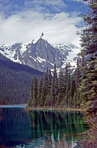 Emerald Lake Yoho NP.jpg