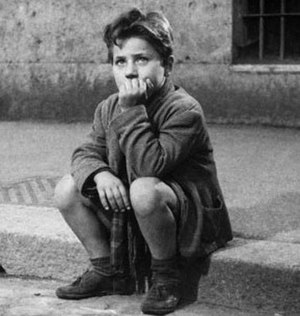 Enzo Staiola - Staiola in Bicycle Thieves (1948)