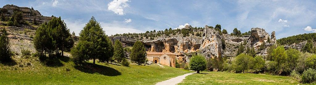 Ermita de San Bartolomé, Parque Natural del Cañón del Río Lobos, Soria, España, 2017-05-26, DD 11-16 PAN.jpg