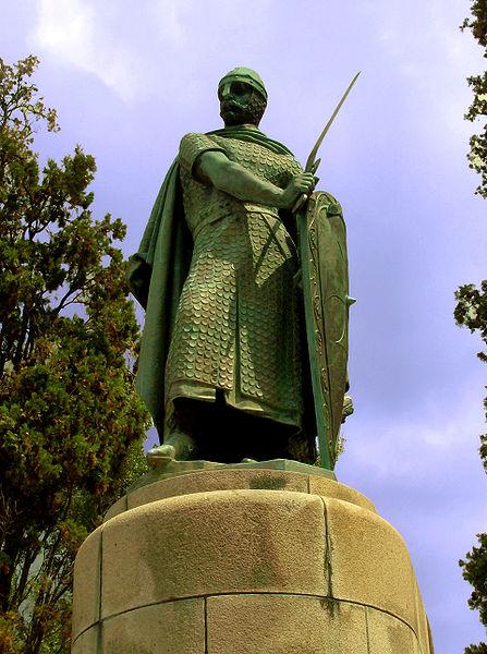 Ficheiro:Estatua Dom Afonso Henriques.JPG